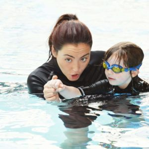 curso de monitor de natacion infantil.